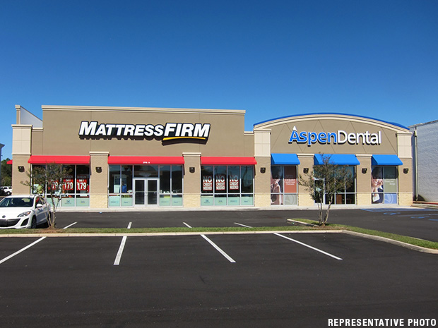 Mattress Firm & Aspen Dental (Vienna, WV)